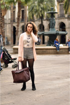 crimson xl Zara bag - black Betty London boots - gray high-waisted H&M shorts