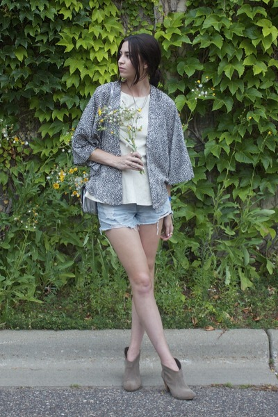 black kimono spotted StyleMint top - off white Hackwith Design House top