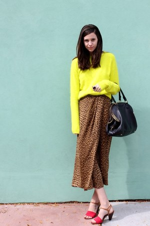 yellow neon fuzzy H&amp;M sweater - black JCrew bag