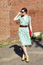 green vintage dress - red cross body vintage bag