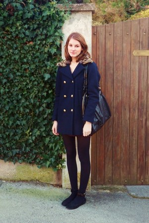 navy SANDRO coat - black H&M bag - black bow SANDRO flats