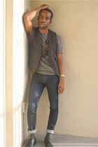 gray Target vest - gray banana republic t-shirt - blue Levis jeans - black Zara