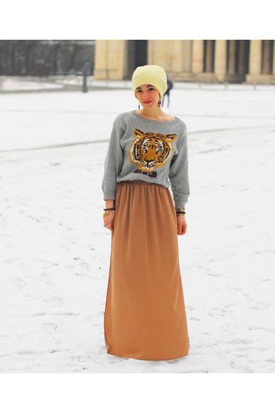 silver tiger OASAP jumper - nude maxi Zara skirt