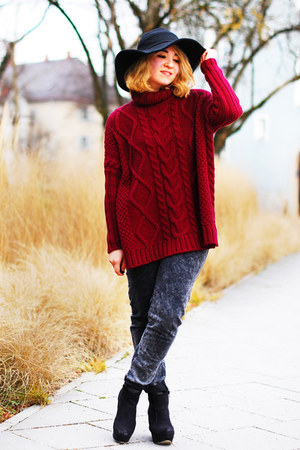 brick red overzised Pimkie sweater - dark gray Zara jeans