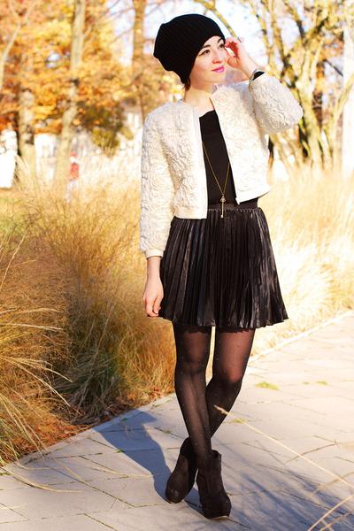 ivory 3d roses H&M Kids jacket - black pleated H&M Kids skirt