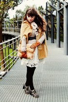 white roses lace thecolorIS dress - camel cape romwe coat