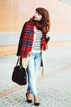 red tartan Front Row Shop scarf - cream trench romwe coat