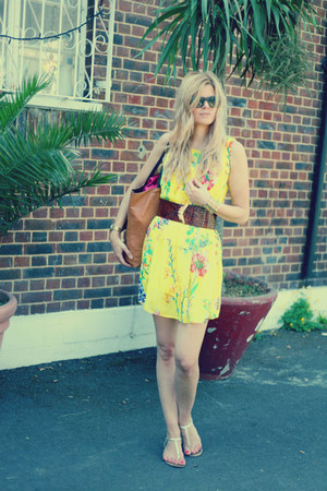 vintage belt - Atmosphere dress - Celine sunglasses - Guess sandals