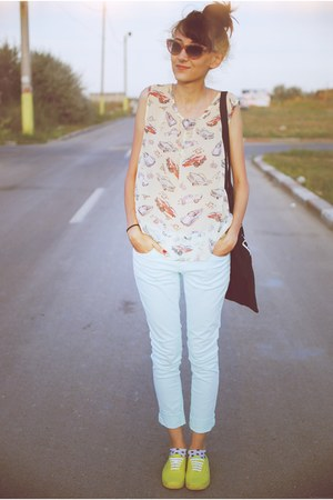 car print Primark top - light blue new look jeans - yellow Vans sneakers