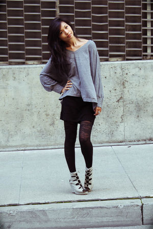 gray t-shirt - gray Jeffrey Campbell shoes - black Urban Outfitters tights