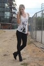 Black-skinny-jeans-dstld-jeans-white-graphic-tee-arm-the-animals-top