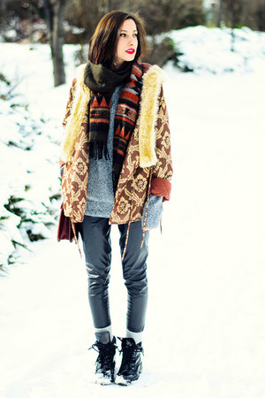 hooded brown second hand jacket - aztec nowIStyle scarf - vintage bag