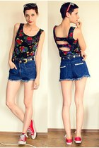 black cut back top - navy high waist shorts - red sneakers