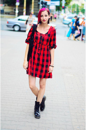 black patent Clarks boots - plaid Ichi dress