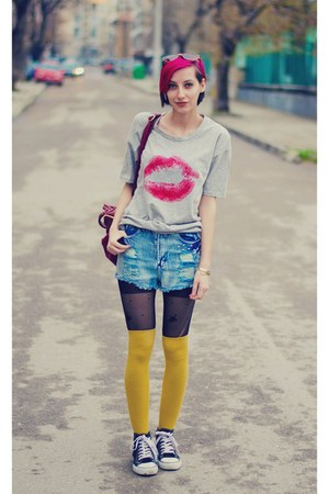 studded nowIStyle shorts - kiss nowIStyle t-shirt