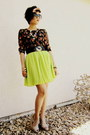 Lime-green-pleated-skies-are-blue-skirt-black-floral-print-jones-new-york-top
