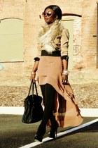 camel anne klien blazer - camel faux fur H&M scarf