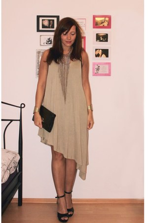 H&M bracelet - asymmetrical Cheap Monday dress - vintage bag - H&M wedges
