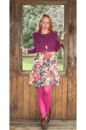 brown vintage 50s boots - vintage 60s dress