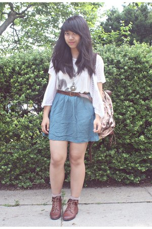 brown Urban Outfitters boots - white H&M shirt - light pink Forever 21 bag