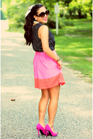 bubble gum JCrew skirt - black Shopcalico sunglasses - navy talbots top