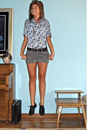 blue calvin klein shirt - black Ralph Lauren belt - gray Old Navy shorts - black
