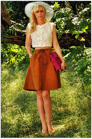 vintage hat - vintage blouse - vintage skirt