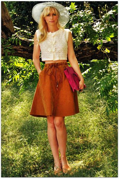 vintage hat - vintage blouse - vintage skirt