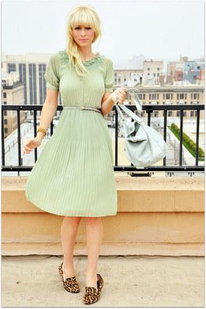 Cute, Retro, & Vintage-Style Women's Dresses ModCloth.