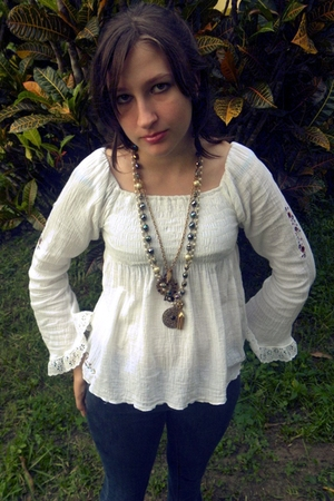 white vintage blouse - blue BDG jeans - blue vintage necklace - gold Forever 21