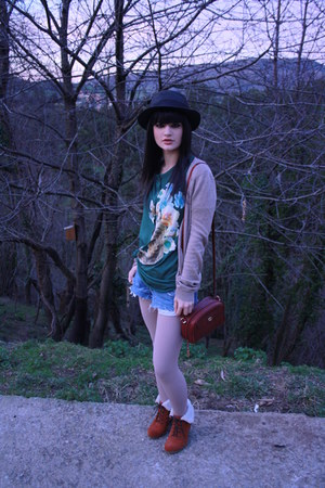 Nasty Gal hat - Gucci bag - Levis shorts - asos wedges - Paul&amp;Joe sister t-shirt