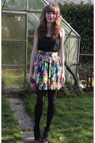 asos skirt - H&M t-shirt - Zara sandals