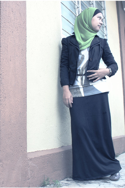 Black-cotton-toms-girl-authentic-wear-blazer-olive-green-chiffon-random-scarf-_400