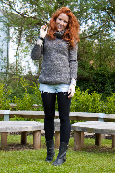 black Yesstyle boots - gray Yesstyle sweater - blue Topshop shorts - silver Phil