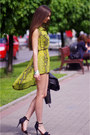 Chartreuse-love-dress-black-zara-sandals