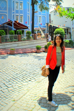 red Zara blazer - blue Zara top - white Zara top - black H&M pants