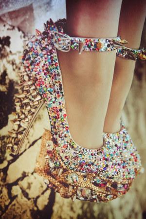 bronze studs heels - jewels heels