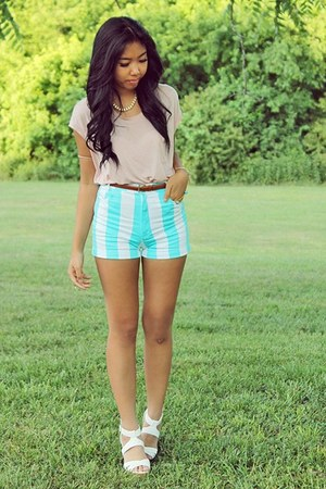 light blue stripes Motel Rocks shorts - light pink lace Ross top