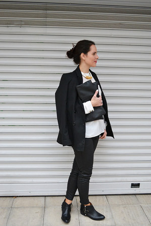 black booties Zara shoes - black blazer Stradivarius blazer