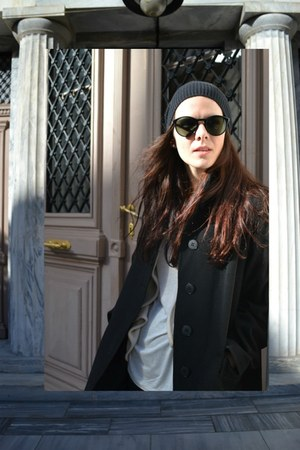beannie GINA TRICOT hat - custom made coat - vintage sunglasses - Zara cardigan