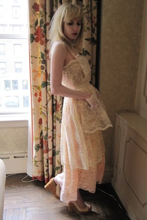 cream lace D&G dress - silver stone vintage ring - beige cork Chanel wedges