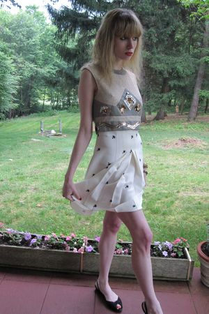 silver Vintage Eloise Curtis for Happenstance top - white Miu Miu skirt - gold v