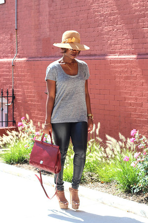 vintage hat - madewell shirt - vintage bag - H&M pants - brian atwood sandals