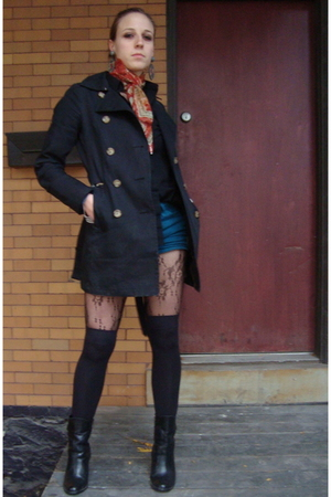 Old Navy coat - American Apparel shorts - American Apparel socks - Urban Outfitt