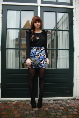 H&M sweater - H&M skirt - Topshop boots - rene sturme necklace - Primark purse