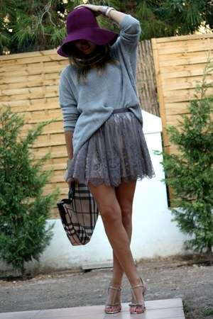 maroon H&M hat - periwinkle Stradivarius sweater - Burberry bag