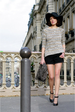heather gray Zara sweater - black asos hat - black Queens Wardrobe shorts