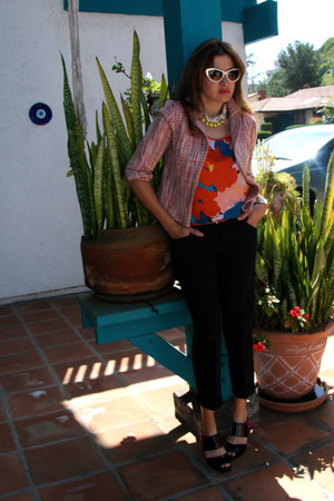 yellow neon Park Lane necklace - light pink tweed cropped Kika Paprika jacket