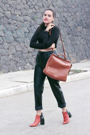 black leather pull&bear pants - burnt orange Zara boots