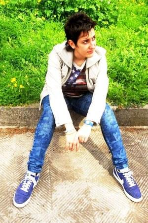 blue Bershka jeans - off white Pinky jacket - silver Piazza Italia t-shirt